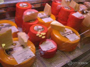 Костромской сыр и хлеб