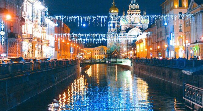 Автобусный тур из Костромы  « Я еду в Новогодний  Петербург»